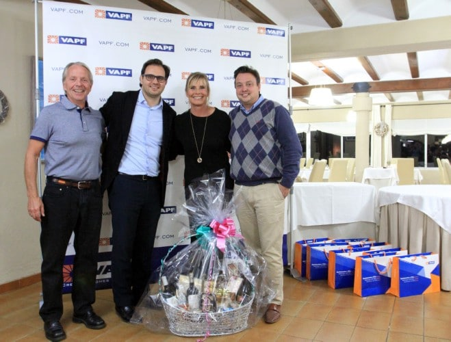 Awards ceremony of Residential Resort Cumbre del Sol's Christmas Decoration Contest
